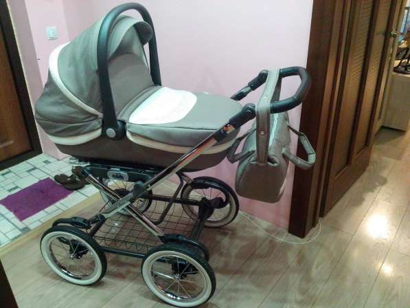 Подам коляску-люльку CAM linea elegant. Италия