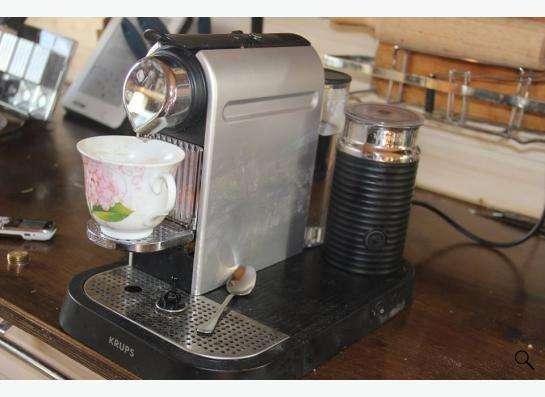 Продам кофемашину KRUPS XN 7102 Nespresso с капучинатором.