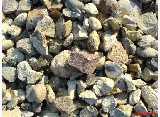Щебень гранитный и известняковый в мешках и валом