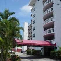 Квартира в Норт-Майами-Бич в жилом комплексе на набережной, в г.Майами