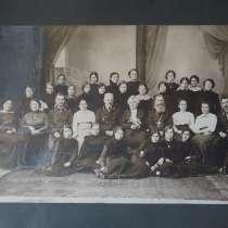 Старинная фототипия – групповой портрет гимназисток. XIX в, в Санкт-Петербурге