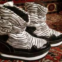 Продам зимние кроссовки-сапожки, в Москве