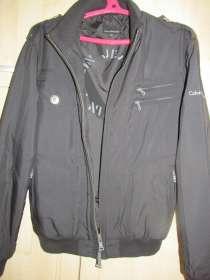 Продаю демисезонную молодежную куртку., в Брянске