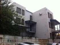 В тбилиси, в старом городе прадается 3-х етажни особняк, в г.Тбилиси