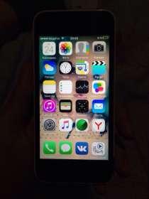 IPhone 5c на 8 гб, в Сургуте