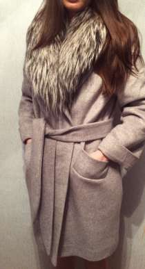 Пальто с мехом чернобурки, в Москве