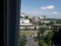 Продам 2 ком квартиру ул. Конституции,д.17 и гараж, в Красноярске