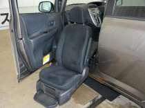 Toyota Ractis с выдвигающимся креслом для инвалида, в Екатеринбурге