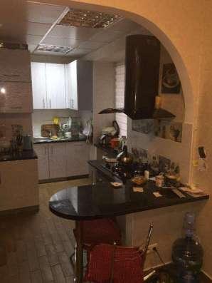 Продам трёхкомнатную квартиру в Ворошиловском р-не