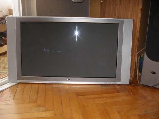 Продаю телевизор в Адлере Фото 1