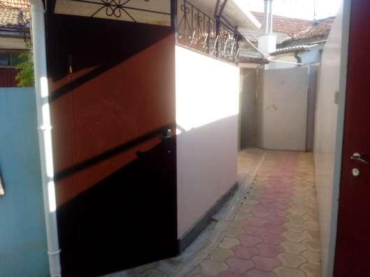 Красивая двухкомнатная квартира со своим двориком
