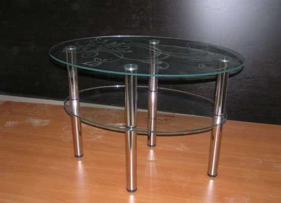 Стеклянные столешницы и столы с экологически чистой фотопечатью, пескоструйным рисунком.