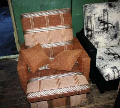 Кресло 60 Коричневая клетка с подушками