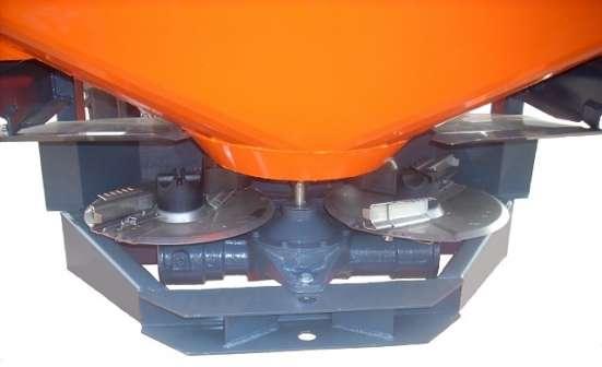 Разбрасыватель минеральных удобрений ДРУГ-900