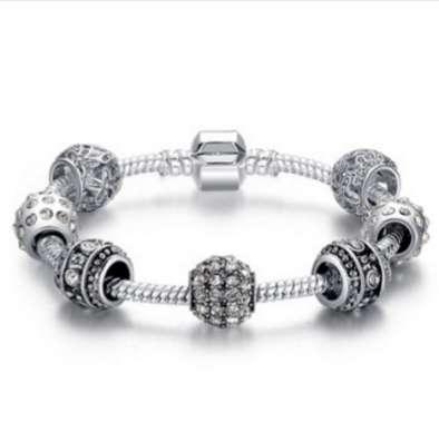 Собранный браслет с шармами в стиле PANDORA