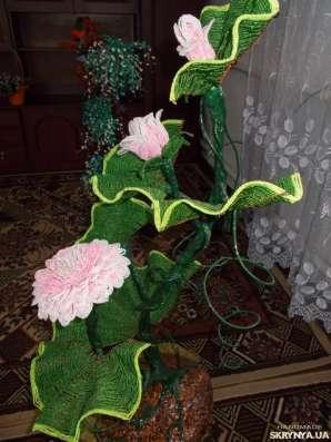 Лилия из бисера большая