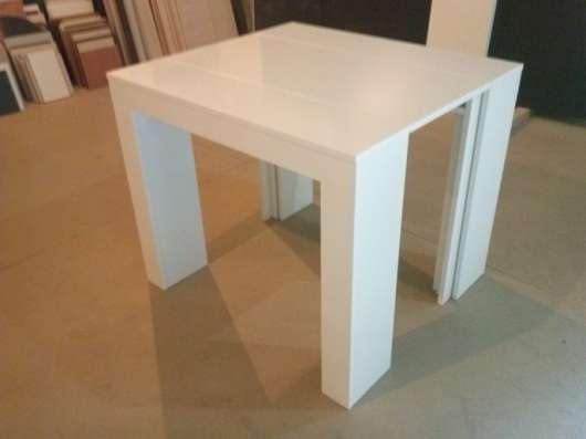 Продаю стол консоль белый глянец от производителя