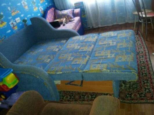 Продаю диван б/у 1 год в отличном состоянии за 6000 торг в г. Новочебоксарск Фото 1