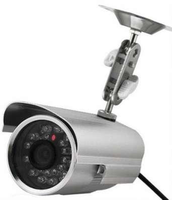 уличную видеокамеру- регистратор 32 Гб