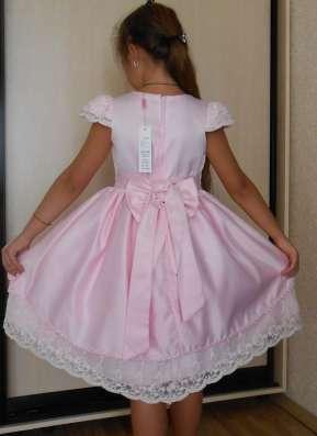 Платье праздничное, нарядное, с кружевом, розовое в г. Днепропетровск Фото 1