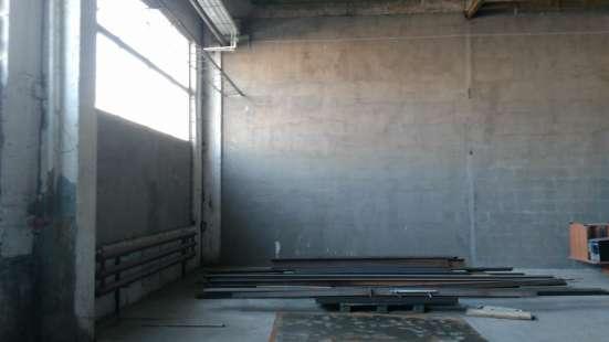 Сдам производство, склад, 285 кв. м м. Рыбацкое