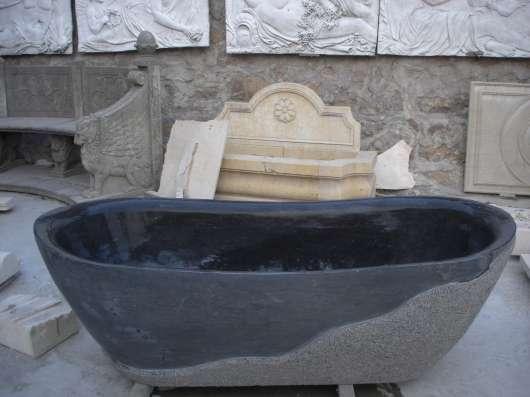 Ванны из черного мрамора