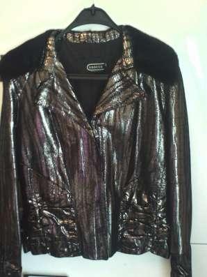 Шикарная новая куртка из кожи с норкой