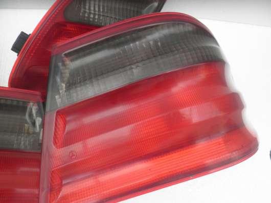 Задние фонари стопы на Mercedes W210 авангард