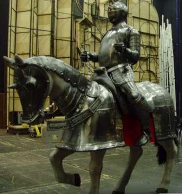 """скульптура из металла""""Рыцарь на ко"""
