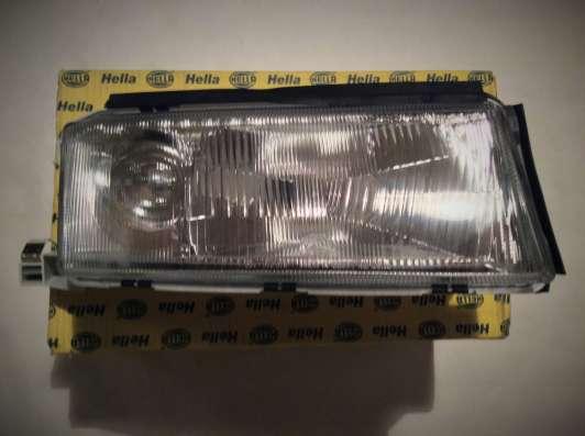 Фара основная правая 1AJ246003201 Hella Octavia (1U2)