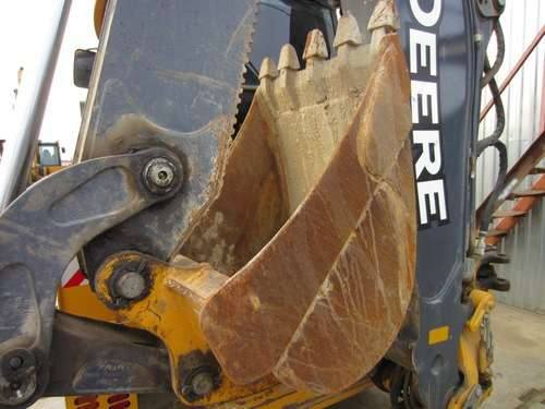 Экскаватор-погрузчик JOHN DEERE 325, 2011 г.в., 5000 м/ч