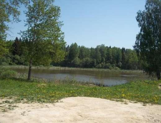 Продается земельный участок 12,5 соток (под ЛПХ)в деревне Тропарево, Можайский район, 110 км от МКАД по Минскому шоссе.