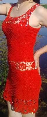 Вязаное красное летнее платье
