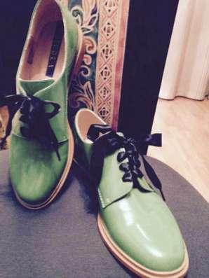 Женские туфли, Италия. Лакированная кожа