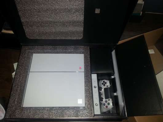 Sony PlayStation 4 PS4 20th Anniversary Edition 500 GB Grey