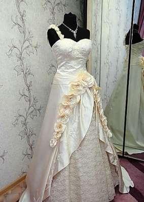 Оригинальное свадебное платье в г. Симферополь Фото 5