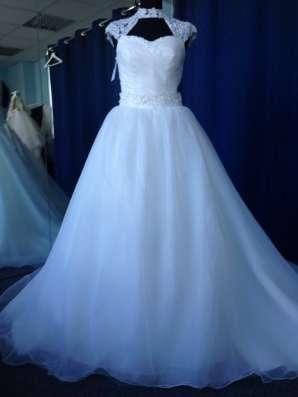 Пышное свадебное платье со шлейфом и маечкой в Москве Фото 4