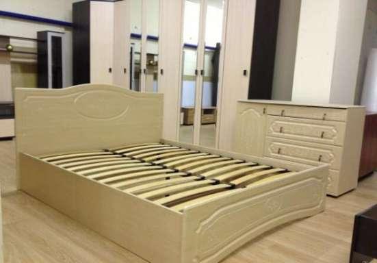 Кровать Оскар с резным изголовьем. Доставка беспла