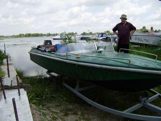 Продается лодка Нептун-2.Двигатель Меркурий 30 л. с.двух так