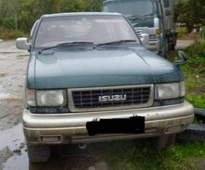 подержанный автомобиль Isuzu BIGHORN