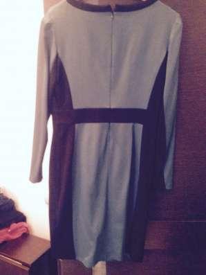 Платье р.42(на 44-46) ф. Charuel