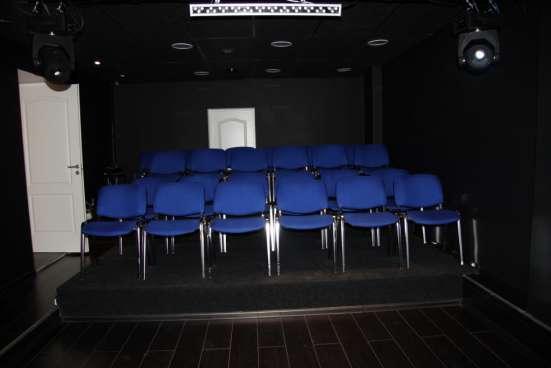 Концертный зал со сценой м. Университет