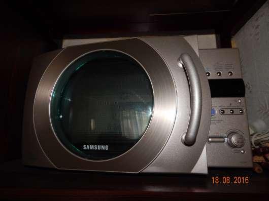 Микроволновая печь, в отличном состоянии. Цена договорная
