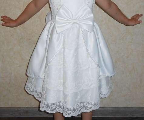 Платье белое, праздничное, нарядное, кружевное в г. Днепропетровск Фото 2