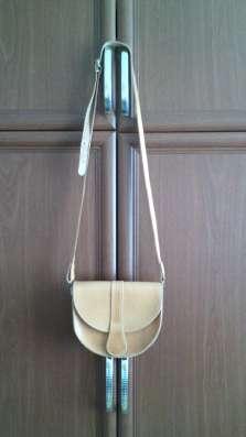 Джинсы, куртка кожаная, сумка, сумка кожаная, кофта флисовая