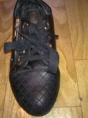 Платья на девочку 7-8 лет, обувь 35 размер
