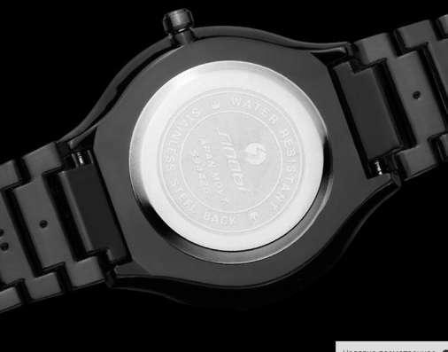 Часы кварцевые водонепроницаемые японские