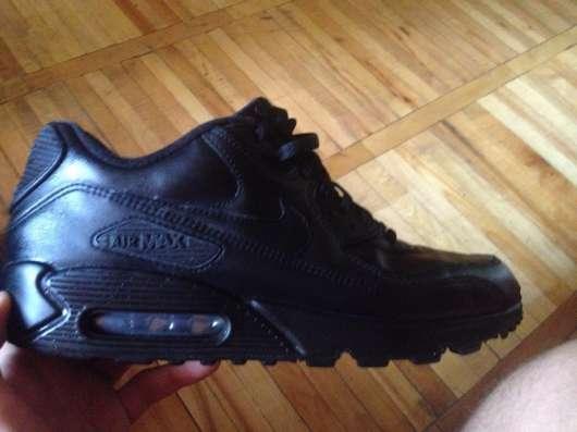 Продам кроссовки Nike AIR MAX M90 не ношеные, кожаные 3000р
