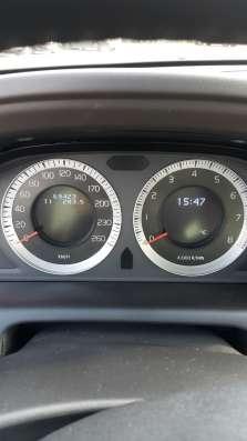 Volvo XC60, конец 2010 года, в идеальном состоянии