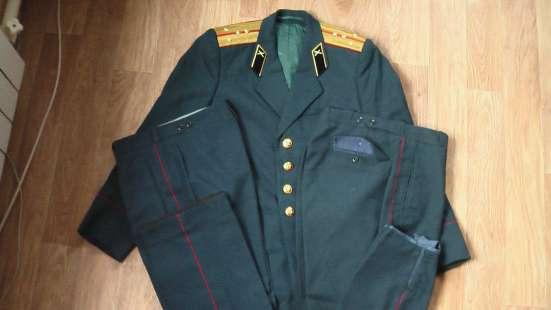 Комплект парадной формы китель двое брюк капитана войск арти
